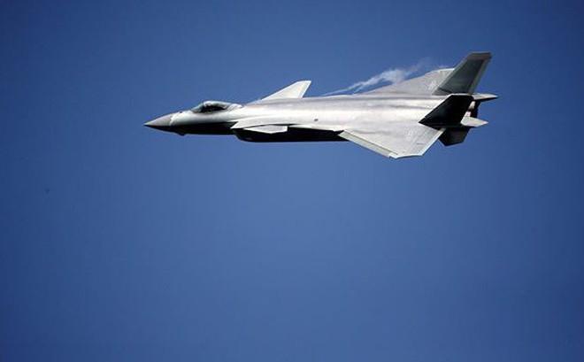 Trung Quốc xác nhận lần đầu đưa tiêm kích J-20 tập trận