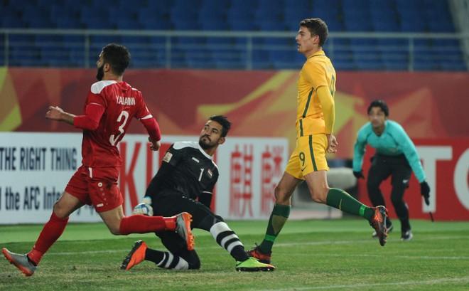 """""""Nỗi ác mộng"""" từ Australia dọa trút mưa bàn thắng vào lưới U23 Việt Nam"""