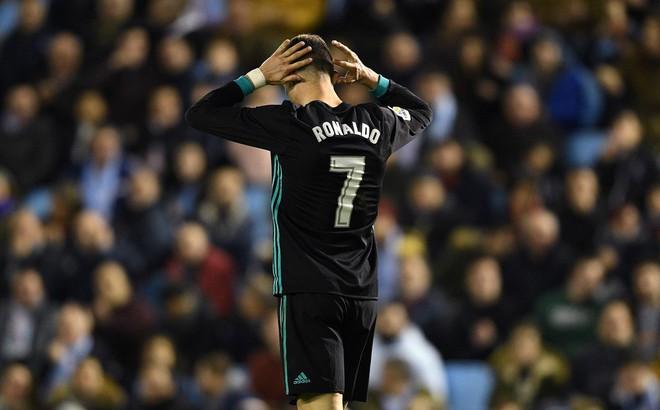 """Giống Raul và Casillas, Ronaldo là nạn nhân chính sách """"vắt chanh bỏ vỏ"""""""