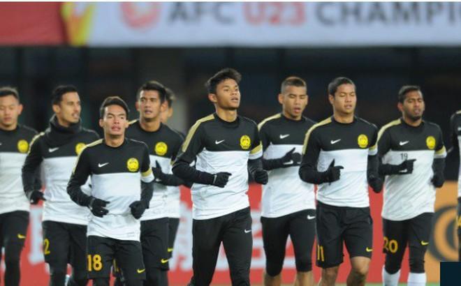 """Malaysia lột xác, Thái Lan """"được cứu"""" ở đấu trường châu Á"""