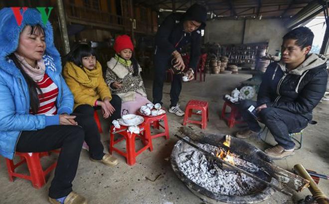 Điện Biên: Có nơi xuất hiện băng giá, cuộc sống người dân đảo lộn