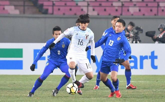 Bị loại sớm khỏi sân chơi châu Á, fan Thái gửi lời chúc tới Việt Nam