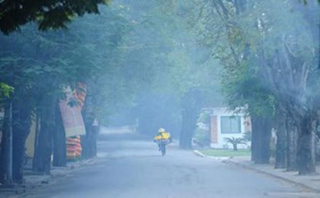 Sương mù dày đặc, bao trùm Bắc Bộ cả ngày và không có nắng