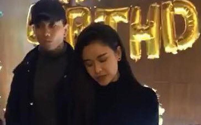 Thái độ khó hiểu của Tim khi có mặt trong tiệc sinh nhật Trương Quỳnh Anh