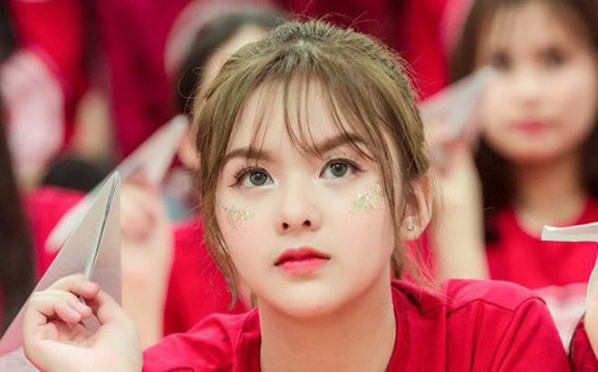 Lại xuất hiện thêm một cô bạn Việt sở hữu vẻ đẹp lai khó rời mắt!