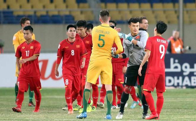 Tiết lộ: Ở khách sạn, cầu thủ Australia coi thường U23 Việt Nam