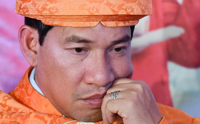 [Video] Quang Thắng: Căng thẳng thần kinh, uống thuốc an thần vì đóng Táo quân