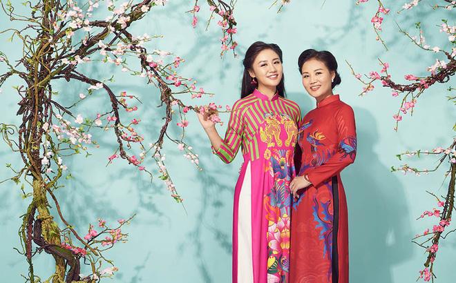 Văn Mai Hương khoe mẹ ruột trẻ trung, xinh đẹp