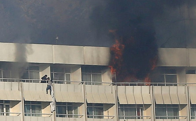 Thế lực giật dây vụ đấu súng nghẹt thở hơn 13 giờ tại khách sạn ở Kabul lên tiếng