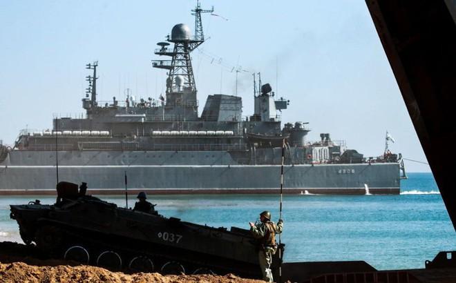 """Biển Azov - """"chiến trường"""" mới của xung đột Nga-Ukraine"""