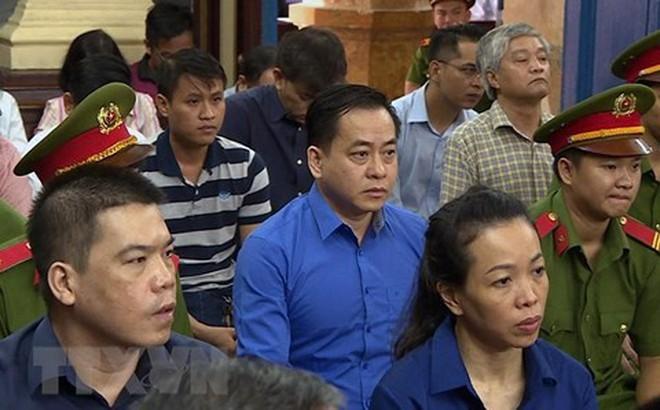 """Đất nước """"bí ẩn"""" cấp quốc tịch thứ 2 cho Phan Văn Anh Vũ"""