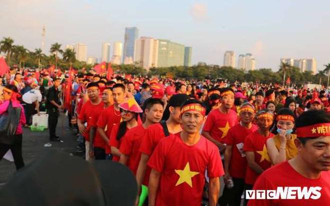 Khuyến cáo CĐV sang Malaysia cổ vũ đội tuyển Việt Nam đá chung kết AFF Cup