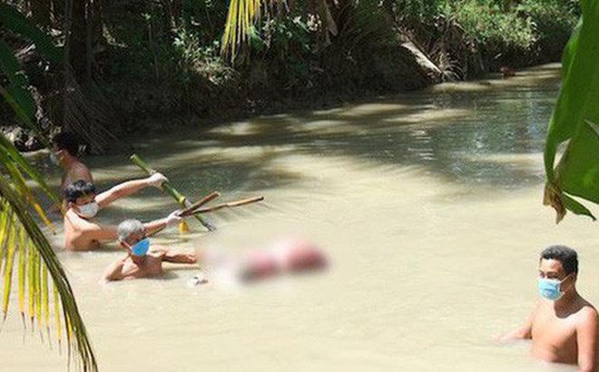 Khởi tố vụ một phụ nữ bị dìm chết dưới mương bởi 5 thanh tre