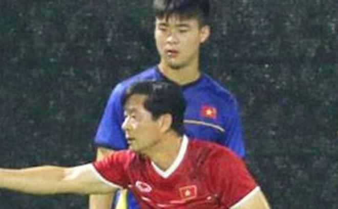 Duy Mạnh đáp trả cực khéo trước lời giới thiệu con gái của trợ lý thầy Park khiến fan đổ rần rần