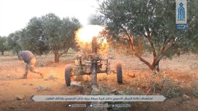 Khủng bố điên cuồng phản kích, liều chết tấn công QĐ Syria: Đòn cố thủ cuối cùng? - Ảnh 4.