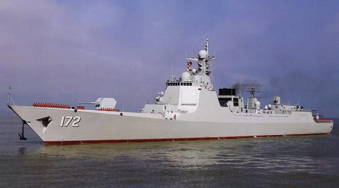 Bệ phóng thẳng đứng độc nhất vô nhị trên khu trục hạm Type 052D TQ vượt trội Nga - Mỹ?  - Ảnh 2.