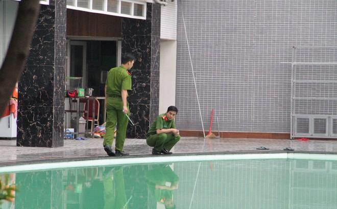 Không khởi tố vụ người phụ nữ tử vong khi học bơi cùng con ở hồ bơi Hoà Bình