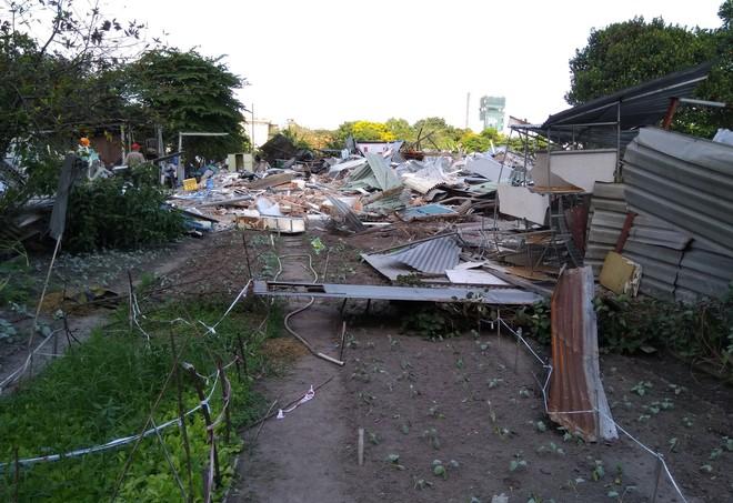 [ẢNH]: Khu đất vườn rau Lộc Hưng ở Tân Bình bị cưỡng chế, tan hoang như bình địa - Ảnh 9.