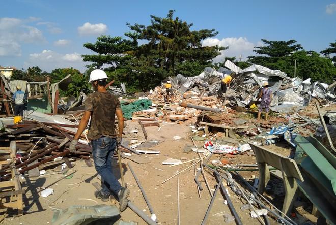 [ẢNH]: Khu đất vườn rau Lộc Hưng ở Tân Bình bị cưỡng chế, tan hoang như bình địa - Ảnh 11.