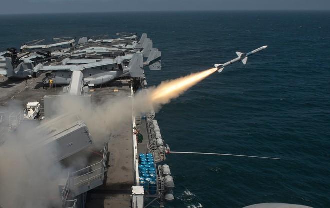 Nếu Trung Quốc bắn cùng lúc 600 quả đạn, nhóm tàu sân bay Mỹ có đỡ nổi không? - Ảnh 2.
