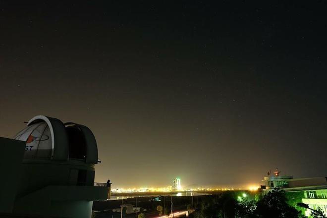 Quan sát vũ trụ từ Đài thiên văn lớn nhất miền Bắc - Ảnh 2.