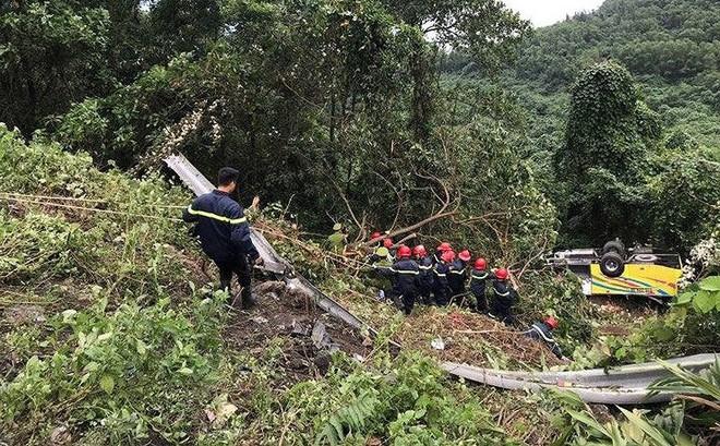 Khởi tố lái xe chở 21 sinh viên rơi ở đèo Hải Vân
