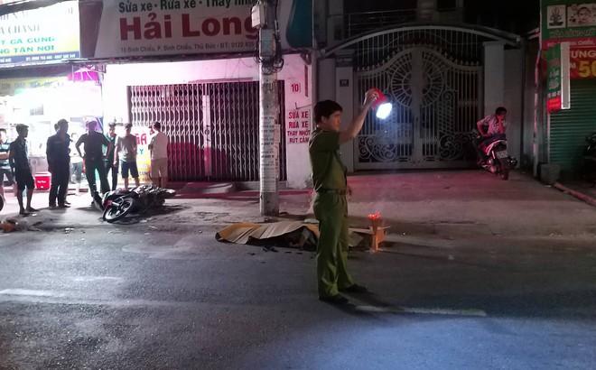 Xe container ở Sài Gòn cán chết người rồi bỏ chạy