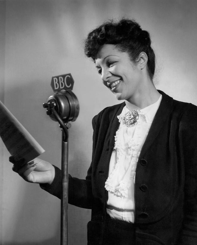 Evelyn Dove: Nữ thần nhạc Jazz, từng vinh dự hát trước lãnh đạo Liên Xô Joseph Stalin - Ảnh 4.
