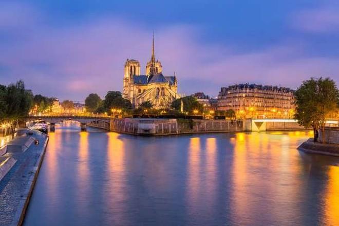 Khám phá 20 nhà thờ đẹp nhất châu Âu - Ảnh 1.