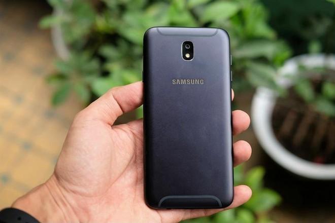 Đây là chiếc smartphone nhiều người Việt bỏ tiền ra mua nhất trong năm 2018 - Ảnh 2.