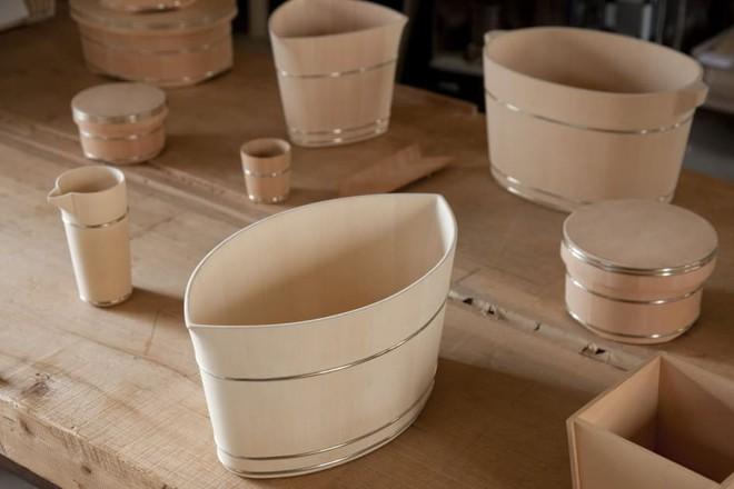 Chiếc xô gỗ tưởng đơn giản mà có giá nghìn đô và câu chuyện hồi sinh ngành thủ công của nghệ nhân Nhật Bản - Ảnh 3.