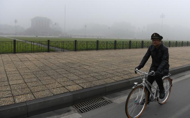 Hiện tượng sương mù kỳ thú sáng nay tại thủ đô Hà Nội