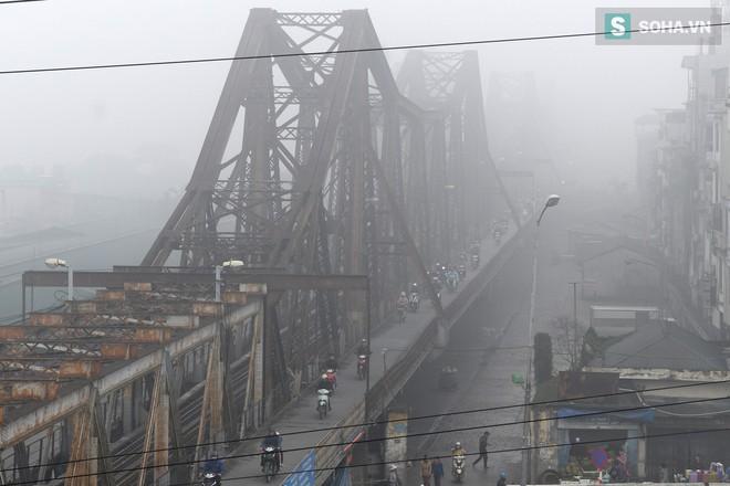Hiện tượng sương mù kỳ thú sáng nay tại thủ đô Hà Nội - Ảnh 2.