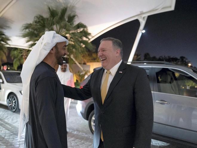 TT Trump cử 2 quan chức diều hâu đi du thuyết 11 nước, Mỹ vừa đấm vừa xoa đồng minh Trung Đông - Ảnh 1.