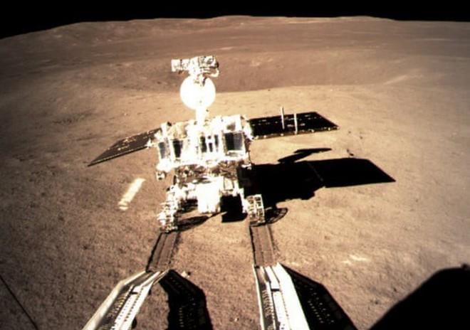 Trung quốc công bôs video tàu thăm dò Hằng Nga 4 đáp xuống vùng tối của mặt trăng - Ảnh 1.