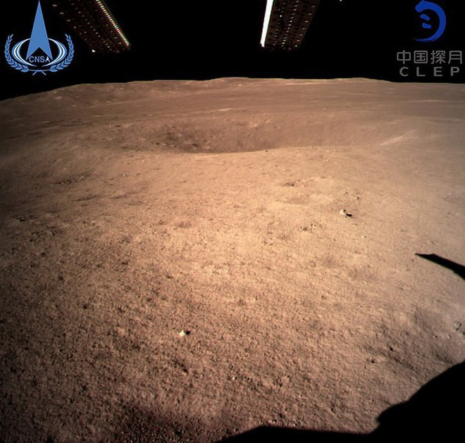 Hình ảnh đầu tiên chụp về vùng tối của Mặt Trăng