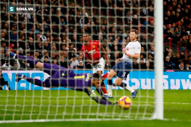 Pogba xuất thần, David de Gea lên đồng không tưởng đưa Man United giật sập Wembley - Ảnh 2.