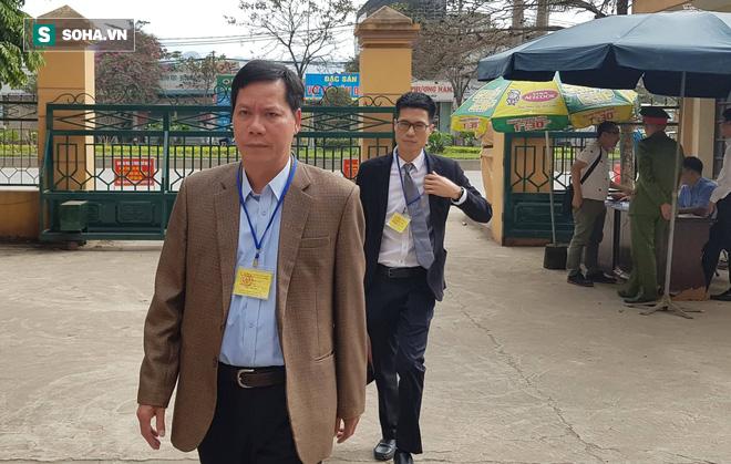 Vụ án chạy thận: Giám đốc và PGĐ khai mâu thuẫn, toà muốn xem xét trách nhiệm của BV Bạch Mai - ảnh 1