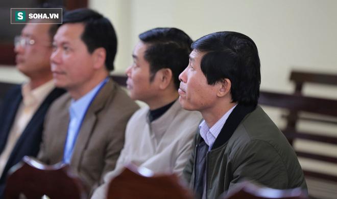 Vụ án chạy thận: Giám đốc và PGĐ khai mâu thuẫn, toà muốn xem xét trách nhiệm của BV Bạch Mai - ảnh 3