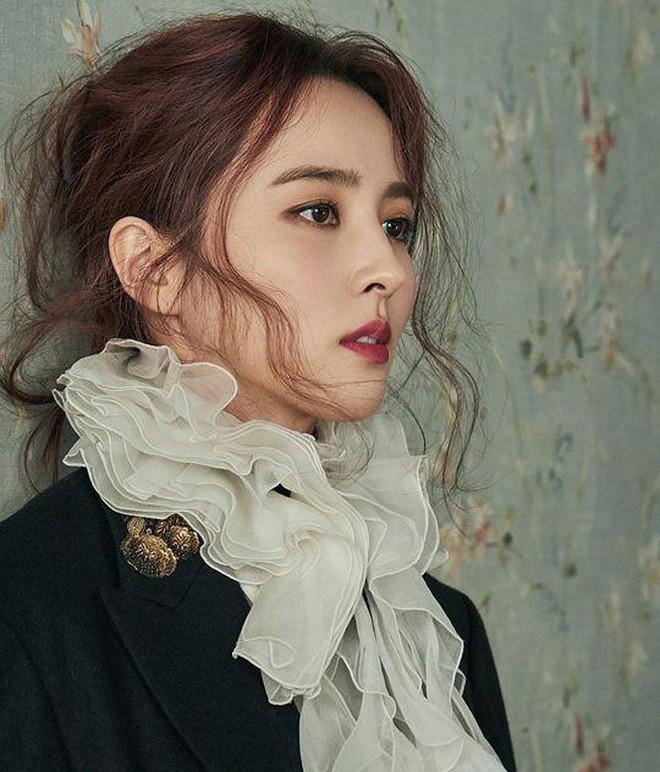 Vẻ ngoài xinh đẹp của nàng WAG hot bậc nhất Hàn Quốc - ảnh 3