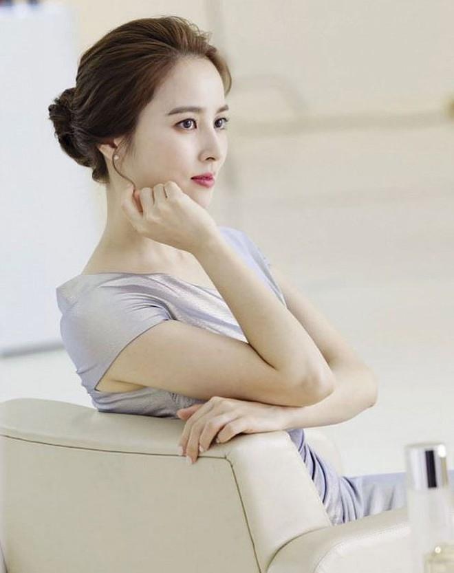 Vẻ ngoài xinh đẹp của nàng WAG hot bậc nhất Hàn Quốc - ảnh 4
