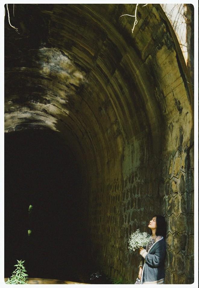 Đường hầm xe lửa Đà Lạt đẹp chẳng khác gì phim Em sẽ đến cùng cơn mưa được dân tình ầm ầm kéo đến check-in - ảnh 5