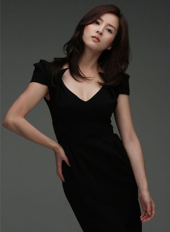 Vẻ ngoài xinh đẹp của nàng WAG hot bậc nhất Hàn Quốc - ảnh 7