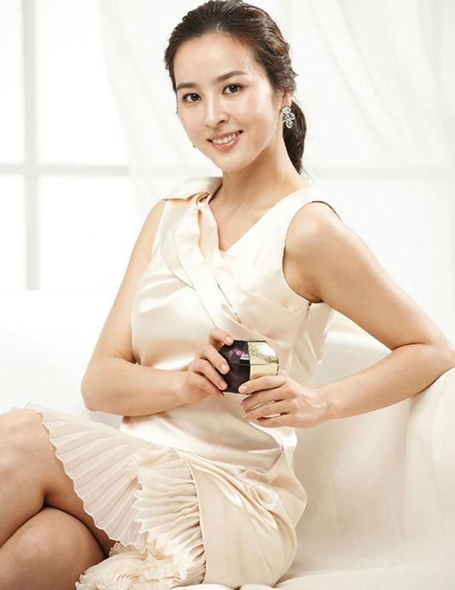 Vẻ ngoài xinh đẹp của nàng WAG hot bậc nhất Hàn Quốc - ảnh 10