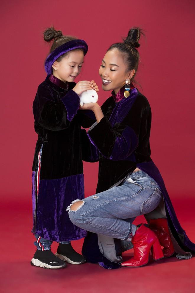 Con gái 5 tuổi của Đoan Trang tạo dáng chuyên nghiệp hơn cả mẹ - Ảnh 3.