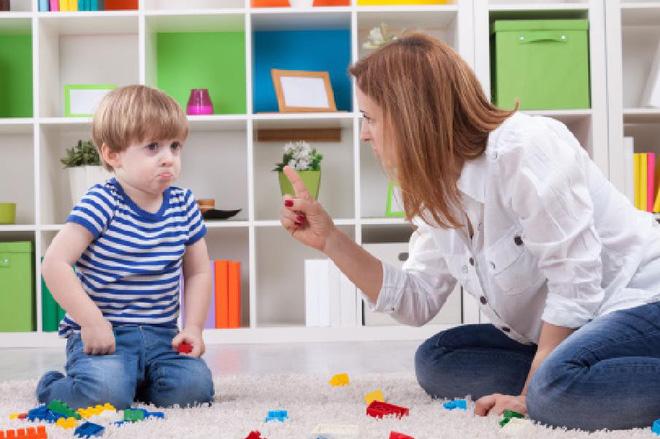 Con trai quấy khóc đòi mua đồ, người mẹ có chiêu độc để con ngoan ngoãn sau 10 phút - Ảnh 2.