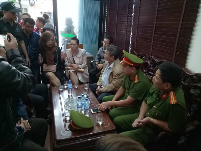 Hàng trăm người kêu cứu, đòi sổ đỏ ở dự án bất động sản phía Nam Đà Nẵng - Ảnh 2.