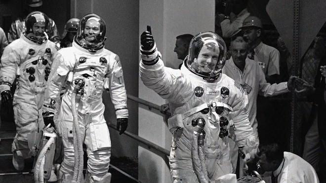 Trò bịp vĩ đại của người Mỹ suốt 50 năm: Nga quyết tâm đổ bộ Mặt Trăng làm rõ trắng đen - Ảnh 2.