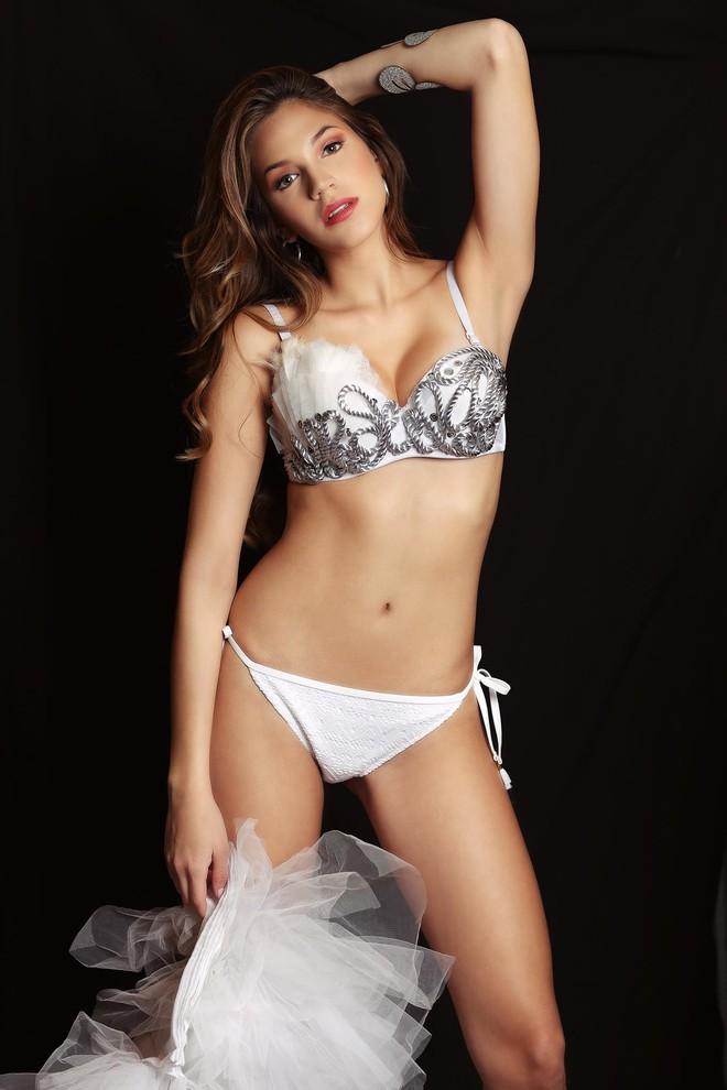 Lê Âu Ngân Anh cùng dàn thí sinh Miss Intercontinental khoe thân hình sexy với bikini - Ảnh 11.