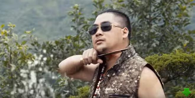 Khán giả bức xúc với phim Tết của Quang Tèo, Chiến Thắng thô tục, hở hang giống phim khiêu dâm - Ảnh 9.